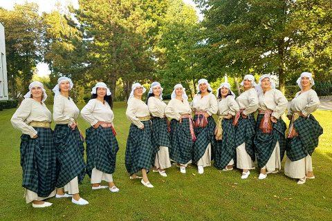 """Šiuolaikinio šokio moterų grupė ,,MiViJa"""""""